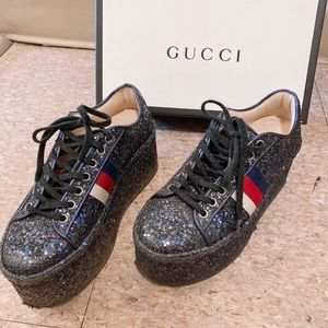 Gucci Blue platform sneaker with glitter